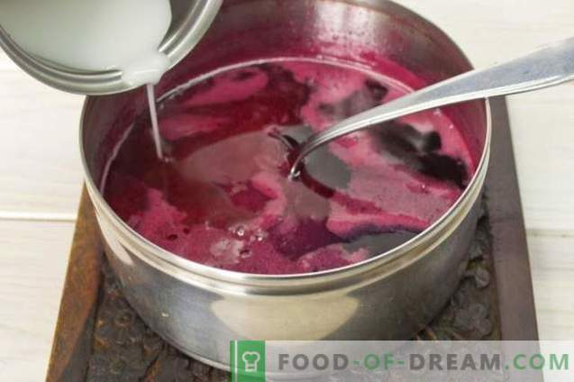 Палачинка торта на јогурт со малино желе