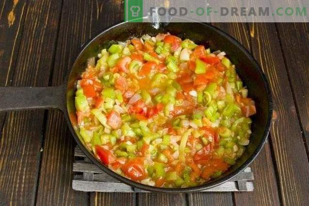 Сос од тестенини со пиперки и домати