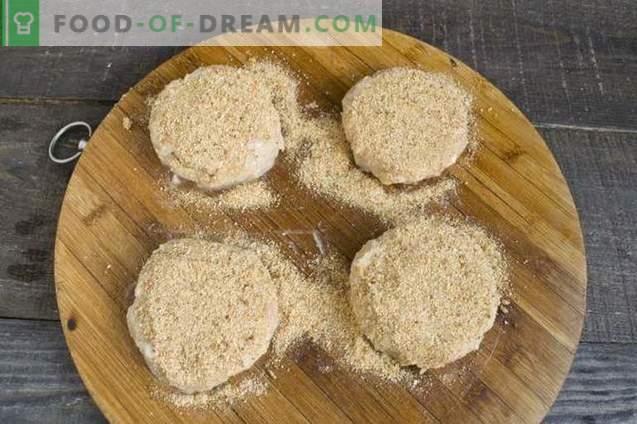 Топла сендвичи со ќофтиња во рерната