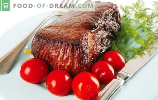 Говедско месо со домати - дует со вкус! Избор на најдобри рецепти за готвење нежно говедско месо со домати.