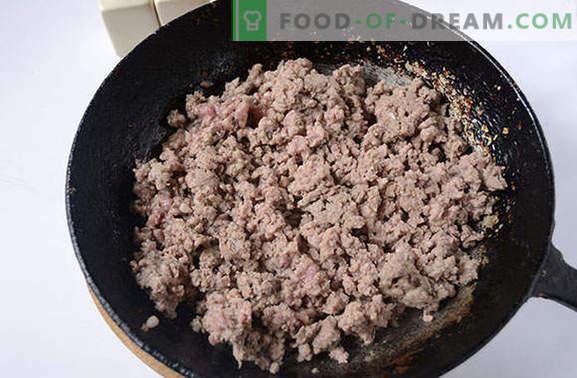 Bardzo prosta technologia gotowania makaronu morskiego z mieloną wieprzowiną. Klasyczny przepis krok po kroku ze zdjęciem: makaron w marynarski sposób