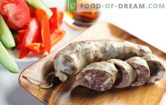 Како да се задоволи семејството со домашна колбас од говедско месо? Домашна колбас од говедско месо: рецепти без соја, конзерванси и бои