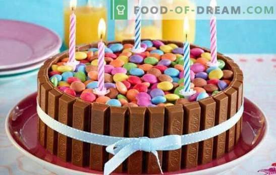 Чоколадни колачи - невообичаено следно! Рецепти на оригинални чоколади, бели и темни чоколадни торти