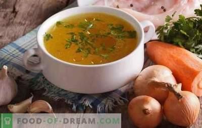 Проѕирна пилешка супа е основа на вкусни и убави супи. Како да се осветли супа од пилешко и месо дома