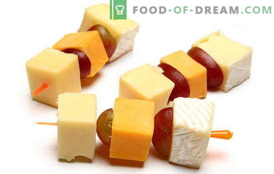 Canapes со сирење - беспрекорна ужинка за секоја прослава. Најдобри рецепти за канипи со сирење: едноставно и необично