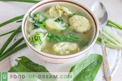 Супа од зеленчук со кнедли - задоволувачка и здрава!