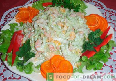 Оригинални салати - избор на рецепти. Оригинални салати за одмор маса и за секој ден.