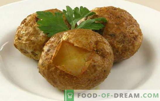 Како да се пече компирот во рерната - најдобрите рецепти со кора, сирење, сланина, лук. Колку печете компири во рерната?