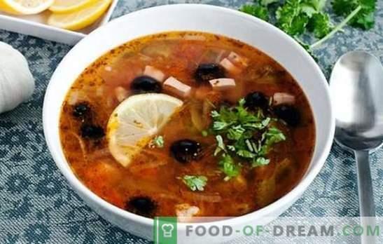 Соланка класика со колбаси - ова е супа! Рецепти за зачинет, богат, ароматичен класичен сол оцет со колбаси