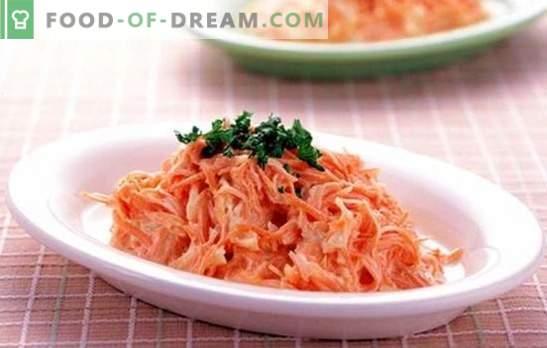 Салата од моркови со лук: светла и корисна маса декорација. Што можам да го наполните моркови со лук?