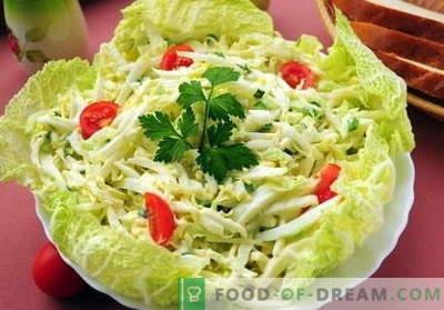 Salată de varză cu ouă - cele mai bune cinci rețete. Se prepară o salată corectă și delicioasă cu varză și ouă.
