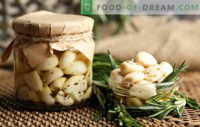 Кисела лук - само вкус и корист! Како да се соберат лук дома со глави, заби и стрели