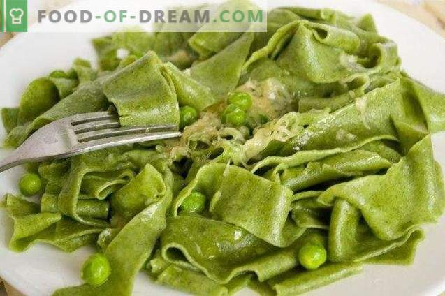 Домашна тестенини со спанаќ и сос од зелен грашок