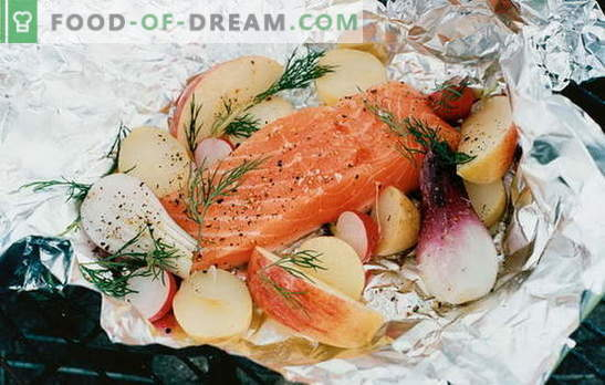 Црвена риба во фолија во рерната - деликатес! Рецепти за црвена риба во фолија во рерна со компири, домати, каперси и маслинки