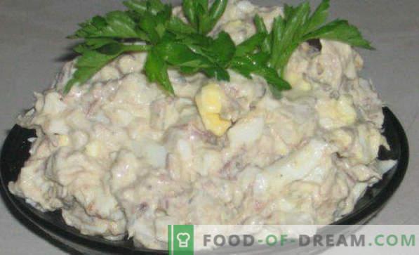 Вкусни рецепти за салати од конзервирана риба, со топено сирење, нежно, сончоглед, мимоза