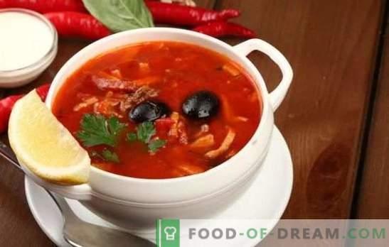 Сојанка со свинско месо: варијации на традиционална супа со свинско месо, зелка, печурки. Како да се направи солянка со компири и ориз?