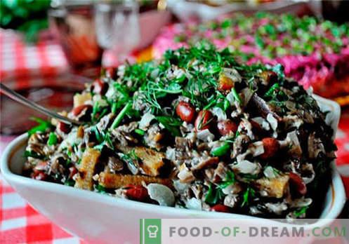 Салата со мед агарици - најдобри рецепти. Како правилно и вкусно да се готви салата со печурки.