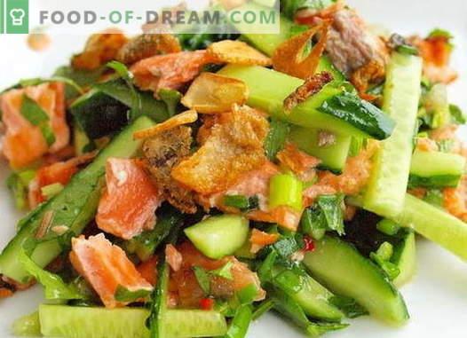 Салата со лосос и краставица - вистинските рецепти. Брза и вкусна салата за готвење со лосос и краставица.