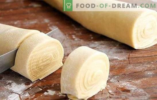Добро тесто за samsa е основа на неверојатен резултат! Ние го подготвуваме вистинското тесто за самса со масна опашка, на кефир, млеко, вода