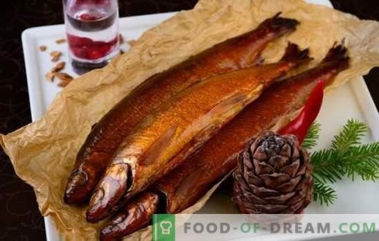 Белешки од вино и цитрус во топла пушена маринада. Готвење риба и месо со топла пушена маринада