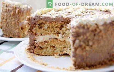 Киев торта дома - дозволена луксуз! Поедноставени рецепти на различни домашни домати Киев колачи