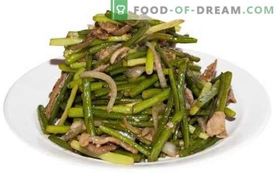 Пржени лук стрели - рецепти со вкус! Различни јадења на пржени лук стрели, рецепти со зеленчук, јајца, месо, печурки