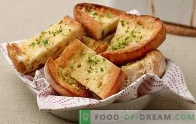Крутони од бел леб - за појадок или за десерт. Рецепти за тост бел леб на шпански и велшки, со сирење, пржени јајца, банани