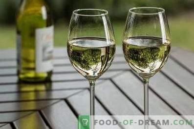Com o que eles bebem vinho seco branco