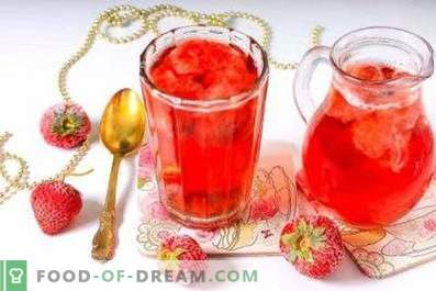 Kompott aus gefrorenen Erdbeeren